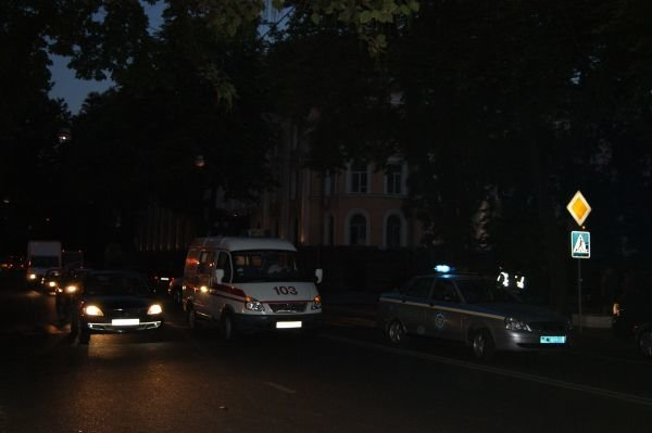 Под окнами одесской СБУ сбили девушку (Фото), фото-1