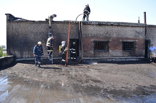 На «Зоре» горела крыша, фото-1