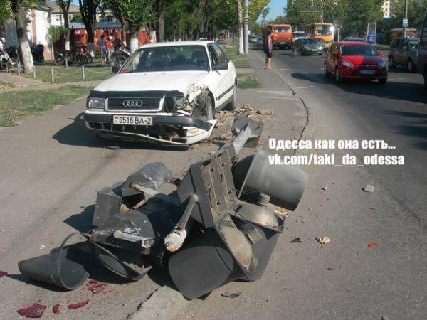 Белорусу в Одессе помешал проехать светофор (Фото), фото-1