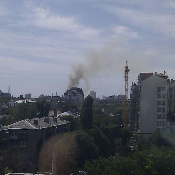 В центре Одессы крупный пожар (фото), фото-1