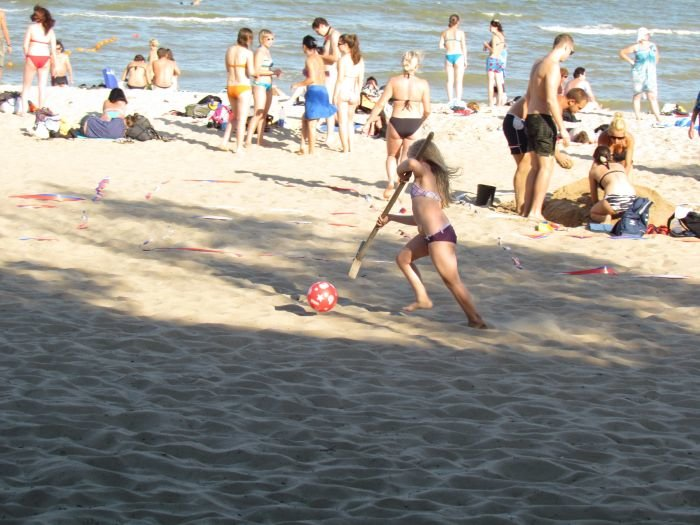 Мариупольцы слепили из песка печень, фотоаппарат и настоящего русала (ФОТО), фото-6
