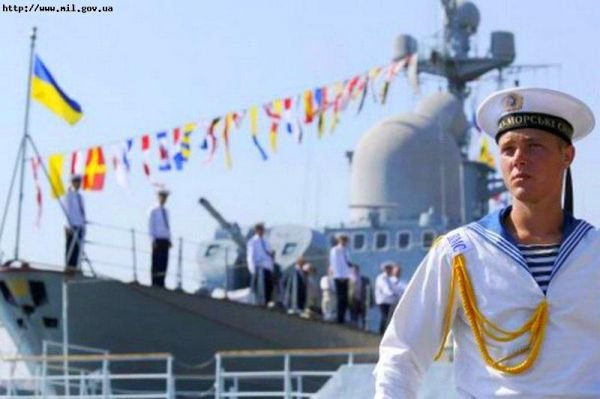 ФОТОРЕПОРТАЖ: В День Флота Украины в Севастополе пустили торпеду в подлодку «Запорожье», фото-1