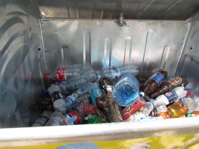 До Мариуполя дошел прогресс: кому-то понадобился наш пластик и стекло (ФОТО), фото-4