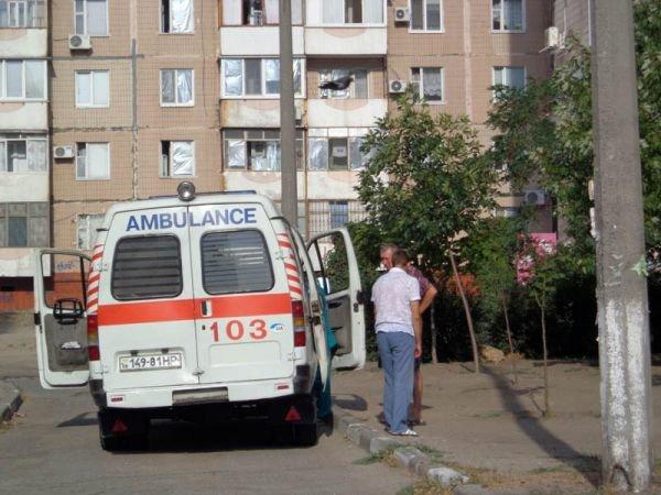 ФОТОРЕПОРТАЖ: В Запорожье мужчина выпал из окна 9-го этажа, фото-2