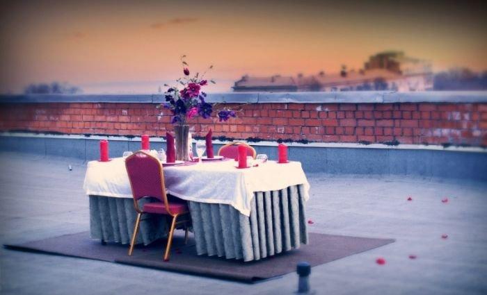 В Мариуполе молодожены взобрались на крышу в поисках романтики (ФОТО) (фото) - фото 1