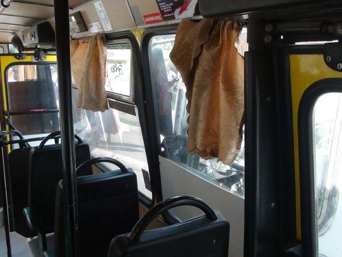 В Мариуполе два пассажирских автобуса не поделили остановку (Добавлены ФОТО), фото-7