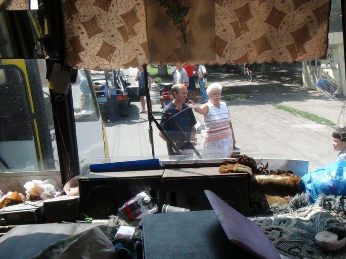 В Мариуполе два пассажирских автобуса не поделили остановку (Добавлены ФОТО), фото-5