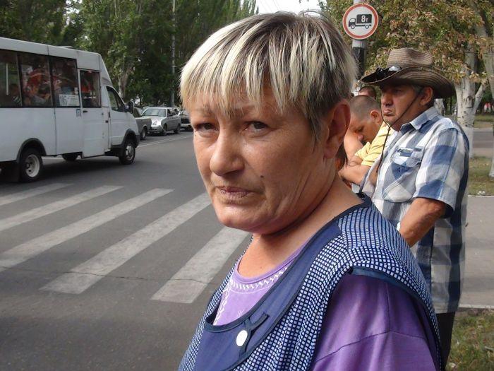 В Мариуполе «рогатый» начал бодаться. Сбил молодую велосипедистку (ФОТО), фото-4