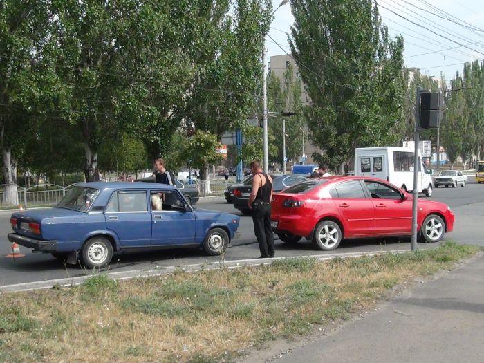 Да что ж такое! Еще одна авария на пр. Металлургов (ФОТО), фото-2