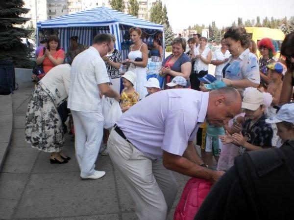 Для школьников Кривого Рога открылась первая ярмарка «Детский континент» (ФОТО), фото-2
