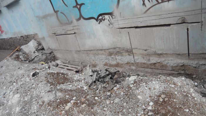 Битва за подвал: история с продолжением. Несмотря на протесты жителей,  в доме по пр. Металлургов продолжают строить АТБ (ФОТО), фото-4
