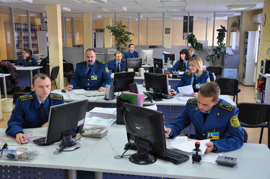 Днепропетровские таможенники в открытую назвали самых богатых (ФОТО), фото-2