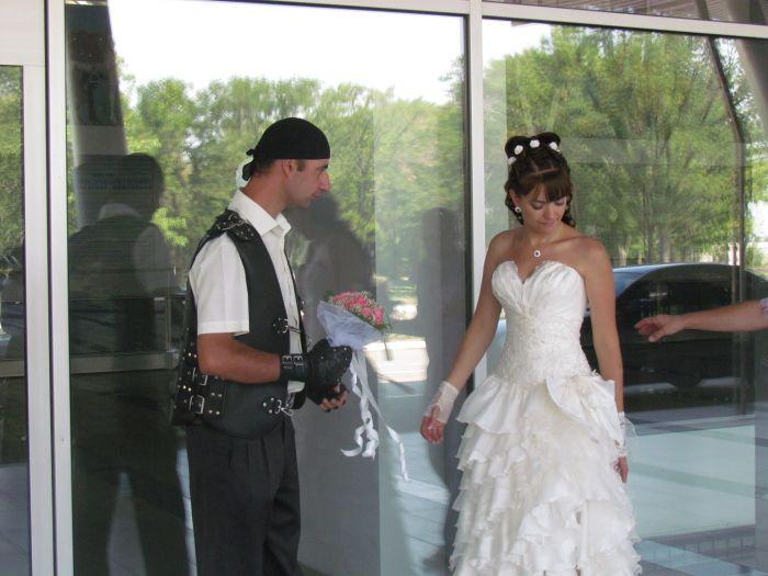 В Мариуполе сегодня отгуляли байкерскую свадьбу (ФОТО), фото-9