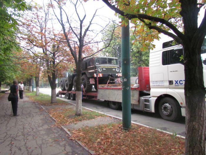 В Мариуполе большегруз с «негабаритом» парализовал движение транспорта (ФОТО+ВИДЕО), фото-11