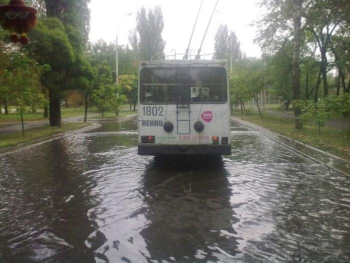 В Мариуполе большегруз с «негабаритом» парализовал движение транспорта (ФОТО+ВИДЕО), фото-3