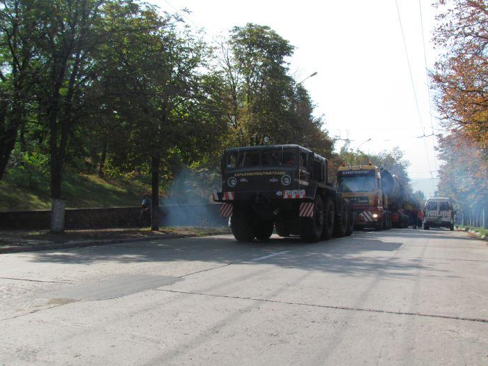 В Мариуполе большегруз с «негабаритом» парализовал движение транспорта (ФОТО+ВИДЕО), фото-13