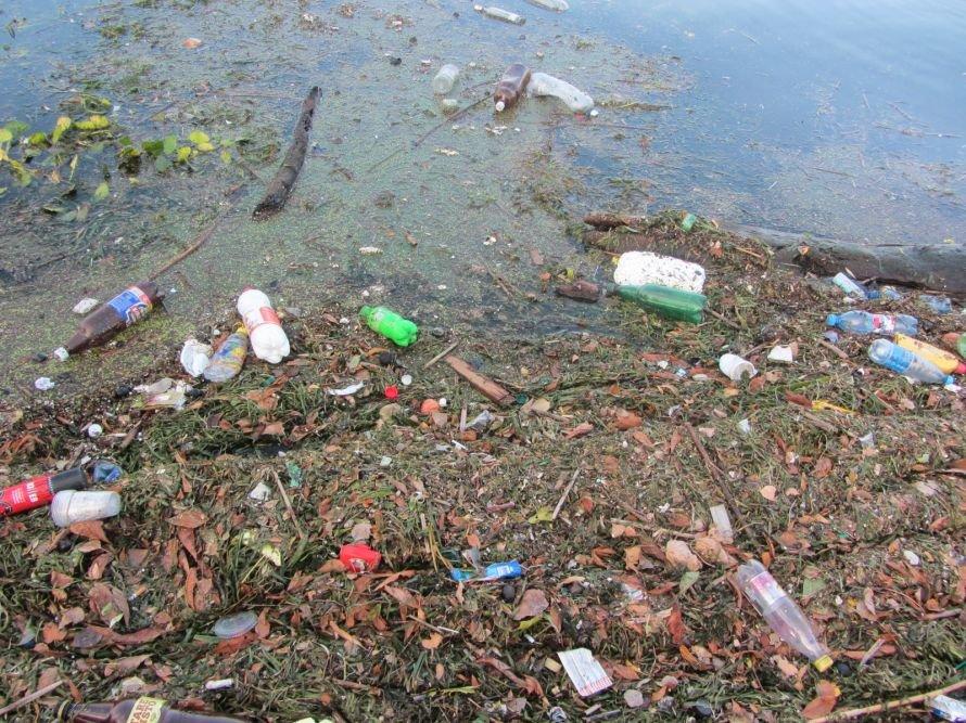 Обратная сторона днепропетровской набережной оказалась похожей на клозет (ФОТО), фото-2