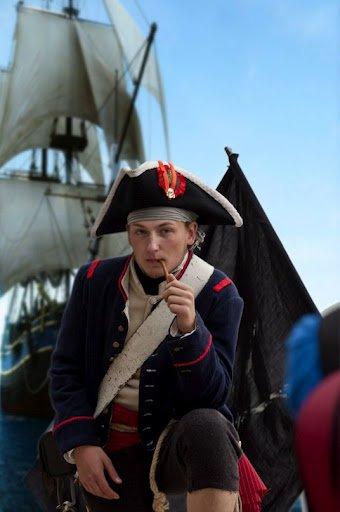 ФОТОРЕПОРТАЖ: На пляж Запорожья высадился пиратский десант, фото-3