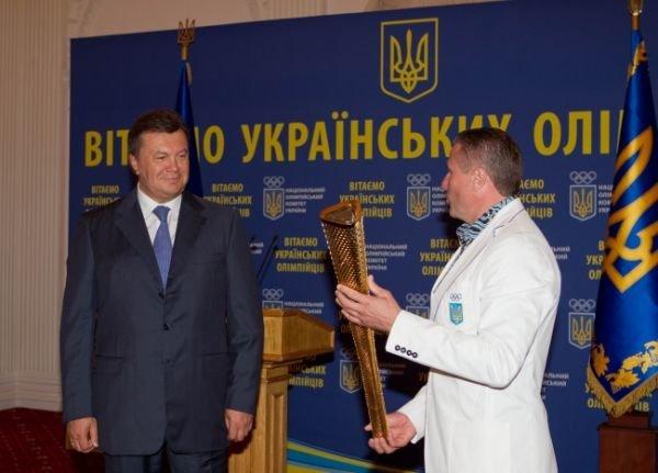 Янукович в Крыму чествовал олимпийских чемпионов (фото), фото-3