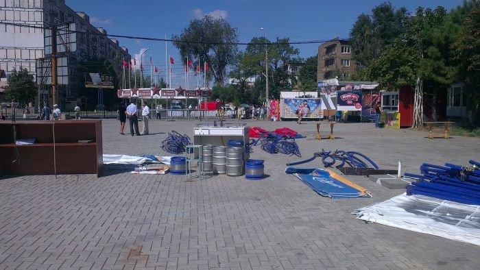 В Мариуполе сквер одержал победу над малым бизнесом (ФОТО), фото-7