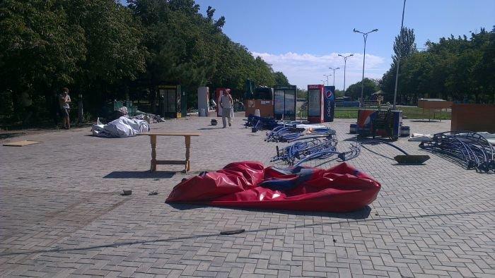 В Мариуполе сквер одержал победу над малым бизнесом (ФОТО), фото-5