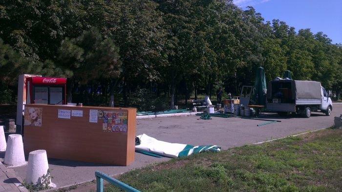 В Мариуполе сквер одержал победу над малым бизнесом (ФОТО), фото-6
