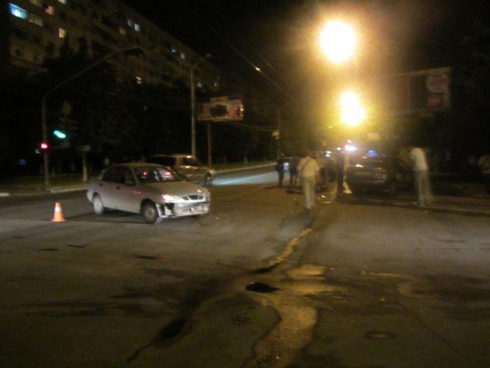 В Мариуполе выясняли отношения два «запорожца», а пострадала девушка (ФОТО), фото-2
