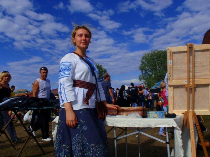 Мариупольские рукодельницы показали на Сорочинцах свой товар лицом (ФОТО), фото-3