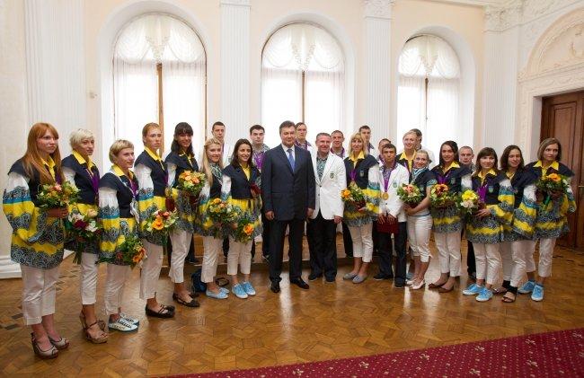 Янукович наградил мариупольских олимпийцев орденами (ФОТО), фото-4