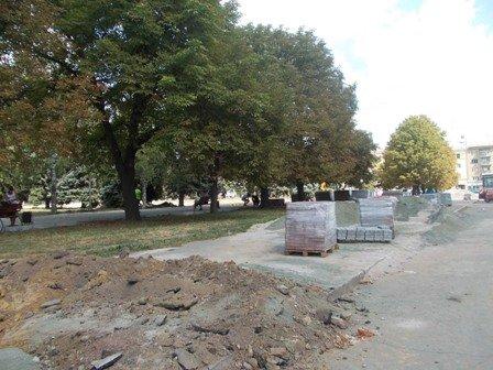 Реконструкцию сквера возле артемовского железнодорожного вокзала начнут только после Дня города, фото-3