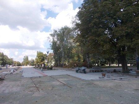Реконструкцию сквера возле артемовского железнодорожного вокзала начнут только после Дня города, фото-2