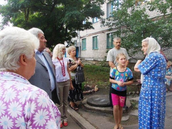 Артемовцы решили бороться с ЖЭКом с помощью городских властей и прокуратуры, фото-8