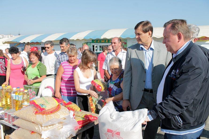 Губернатора Пристюка на «Околице» встречали хлебом-солью (ФОТО), фото-1