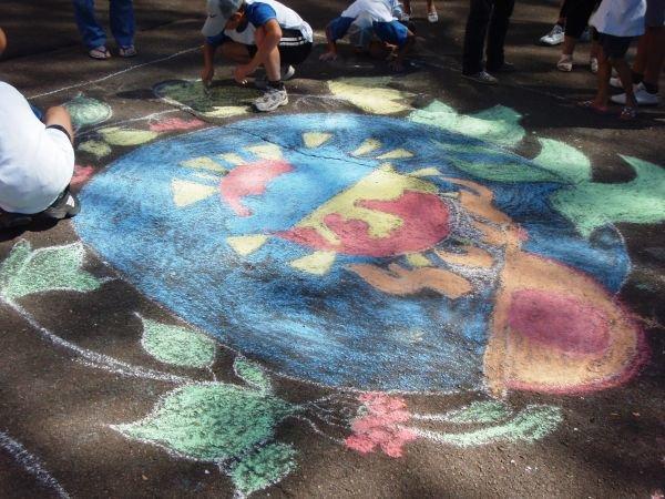 В Кривом Роге воспитанники приютов соревновались в конкурсе рисунков на асфальте (ФОТО), фото-8