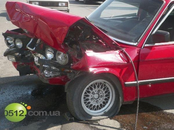 В Николаеве столкнулись три автомобиля (ФОТО), фото-3