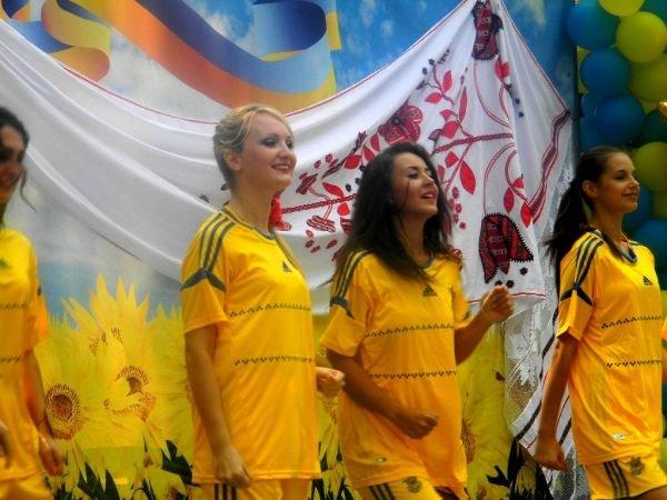 На День Независимости в Кривом Роге выбирали «Мисс Украиночку» (ФОТО), фото-11