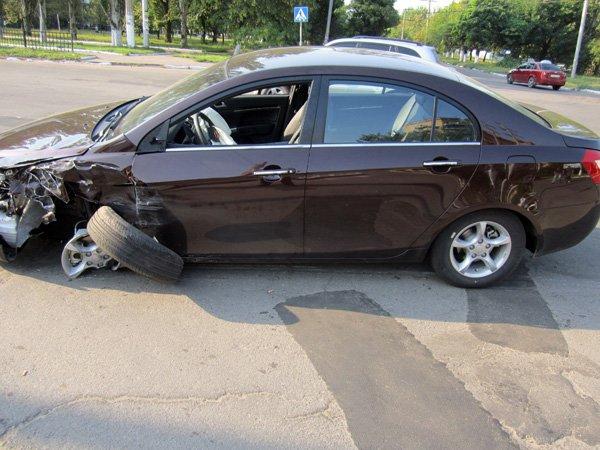 В Горловке уснувший за рулём водитель спровоцировал серьёзную аварию (ФОТО), фото-1