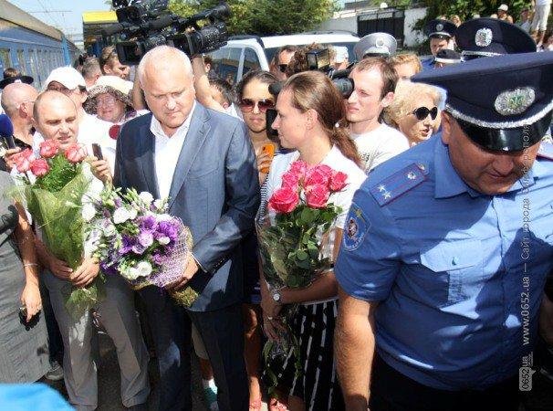 В Симферополе Пугачеву и Галкина встречали хлебом-солью (фото), фото-2