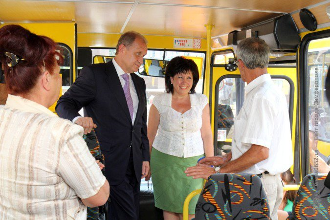 Могилев накануне учебного года раздал школам автобусы (фото), фото-2