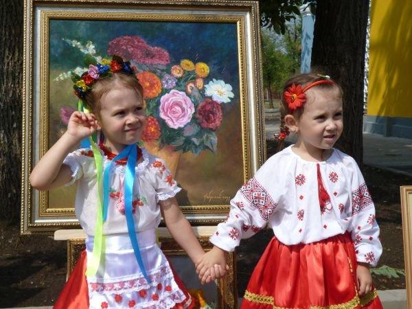 В Кривом Роге, в обновленном парке на ЮГОКе, прошла выставка картин Анатолия Лабунского (ФОТО), фото-8