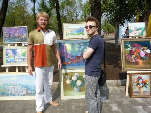 В Кривом Роге, в обновленном парке на ЮГОКе, прошла выставка картин Анатолия Лабунского (ФОТО), фото-6