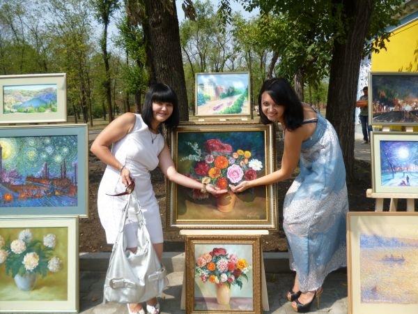 В Кривом Роге, в обновленном парке на ЮГОКе, прошла выставка картин Анатолия Лабунского (ФОТО), фото-9