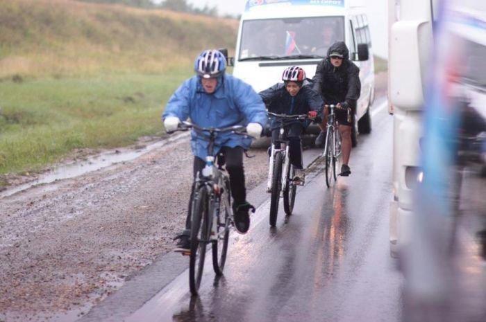 Сироты из Мариуполя колесят по дорогам России - за идею (ФОТО)  , фото-1