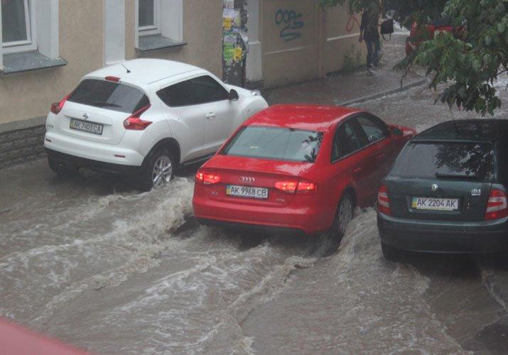 После грозы Симферополь начал тонуть (фото), фото-1