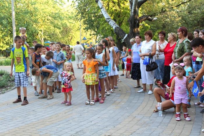 Мариупольская детвора весело и задорно проводила лето, фото-2