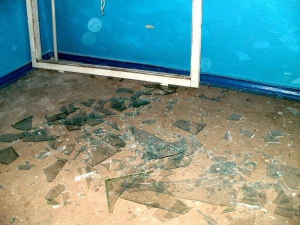 В Кривом Роге буря выбивает из окон стекла (ФОТО), фото-1