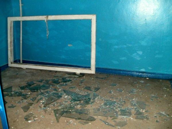 В Кривом Роге буря выбивает из окон стекла (ФОТО), фото-4