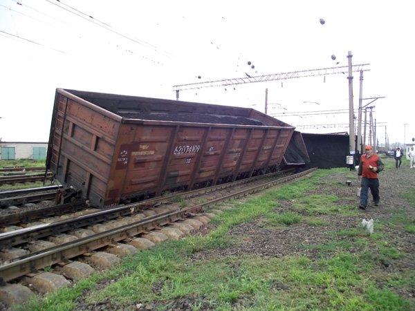 В Горловке еще один поезд сошел с рельсов (ФОТО), фото-1