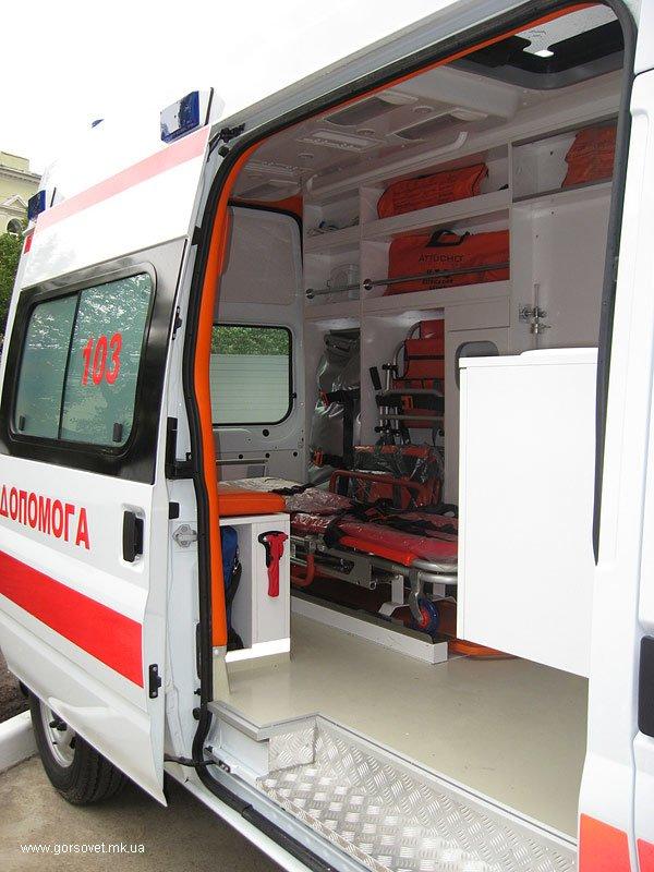 Азаров вручил Николаеву 11 карет скорой помощи (ФОТО), фото-1