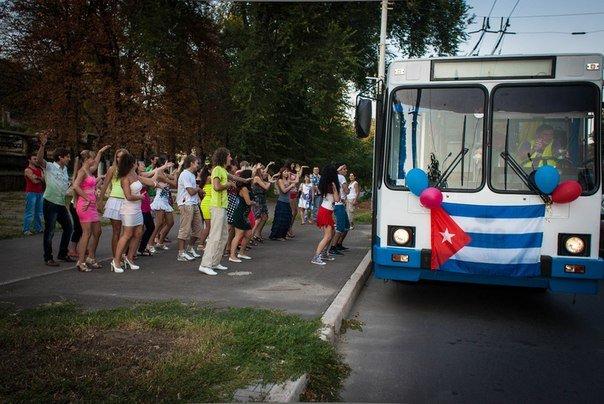 Salsa party в троллейбусе, фото-3